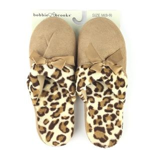 0d6f4082cb3 💕3/$25 Slippers Medium (8-9) Leopard Animal Print NWT